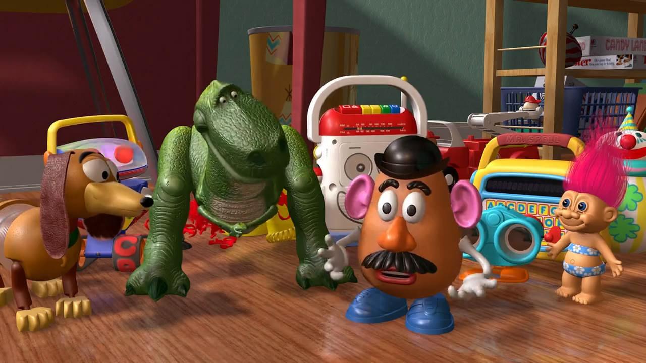Todos los juguetes almacenados en la tienda de Al en Toy Sotry 2 estaban  bastante contentos con la llegada de Woody e5adad70785