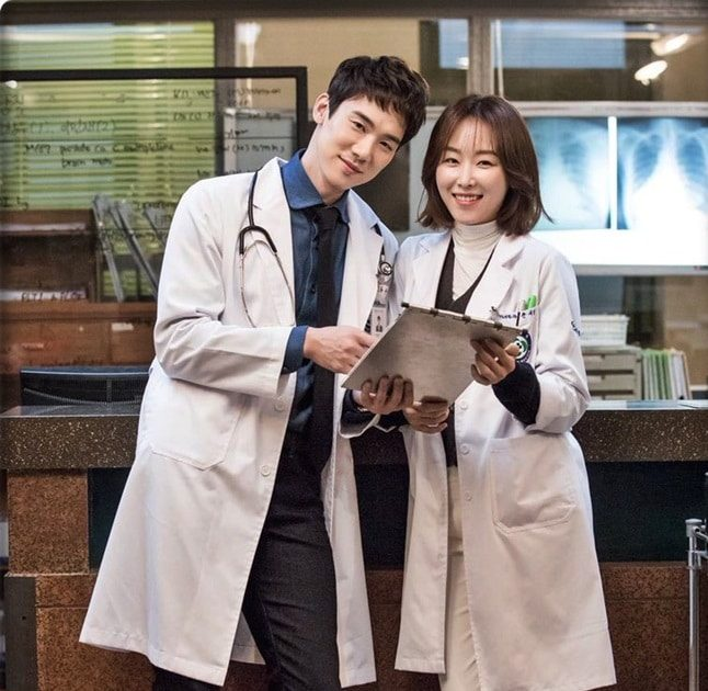 romantic-doctor-teacher-kim-02