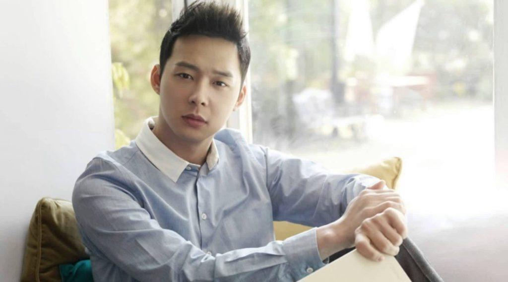 Park Yoo Chun como Han Jung Woo en Missin You